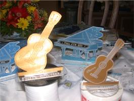 Guitare bois plastique